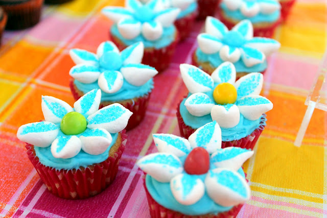 Super 6 easter east valley mom guide marshmallow flower cupcakes negle Images